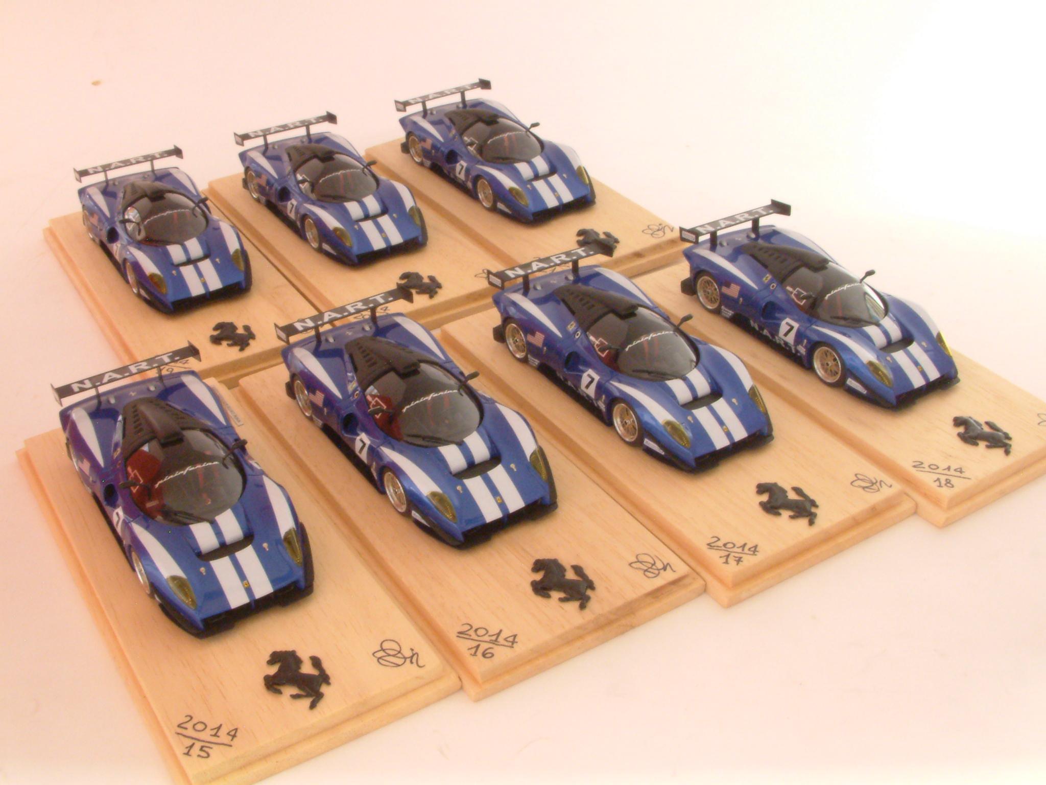 Serie di 7 esemplari montati su base Yow Modellini numeri di serie : 15-21 / 2014